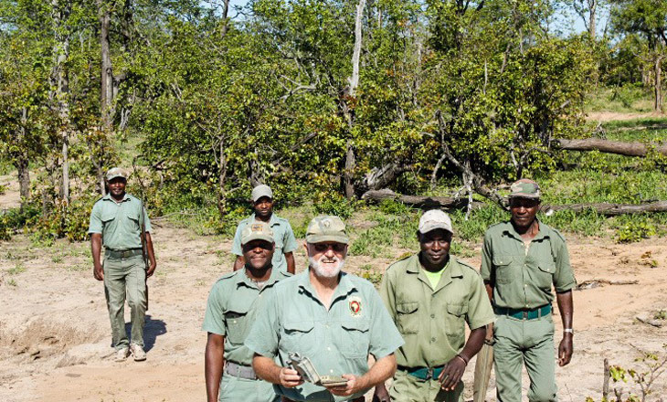 Gestor e fiscais do Muthemba Safaris